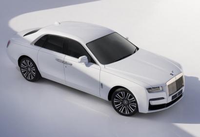 Rolls-Royce разбудил «призрака»: новое поколение седана Ghost в духе минимализма