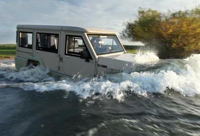 Плавающий Toyota Land Cruiser стал хитом среди покупателей из Ближнего Востока