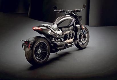 Мотоцикл-гигант Triumph Rocket 3 TFC из Великобритании