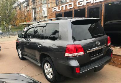 Продажа Toyota Land Cruiser 200 5.7 газ в Киеве