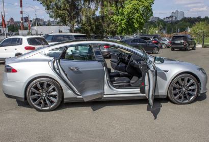 Продажа Tesla Model S в Киеве