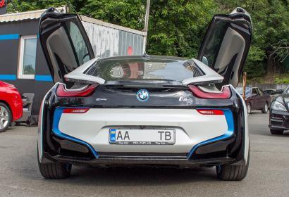 Продажа BMW i8 в Киеве