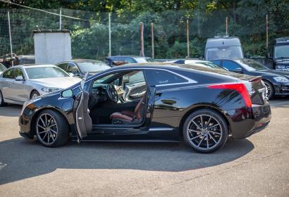 Продажа гибридного купе Cadillac ELR в Киеве