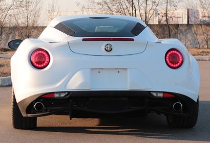 Продажа редкого суперкара Alfa Romeo 4C в Киеве