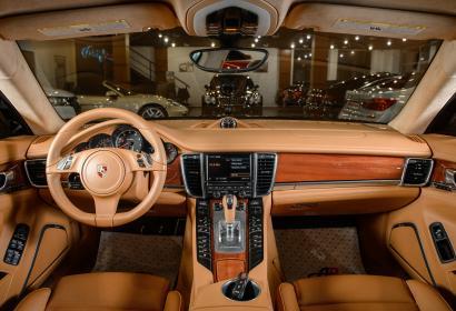 Продажа спортивного хэтчбека Porsche Panamera Turbo 4.8 4WD в Одессе