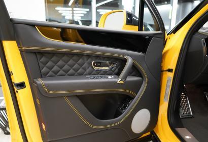 Продажа Bentley Bentayga W12 Mulliner Exclusive в тюнинге от MANSORY в Киеве
