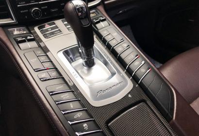 Продажа спортивного Porsche Panamera Turbo 4.8 4WD '2011 в Одессе