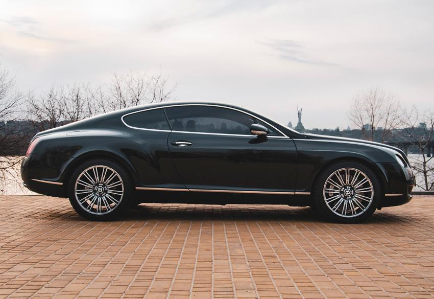Аренда Bentley Continental GT без водителя в Киеве