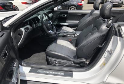 Продажа кабриолета Ford Mustang '2016 в Киеве