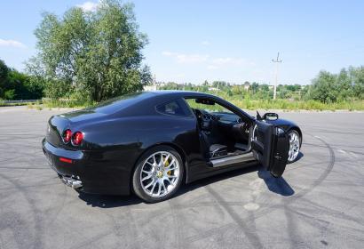 Прокат суперкара Ferrari 612 Scaglietti с водителем в Киеве
