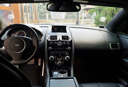 Аренда спорткара Aston Martin Rapide с водителем в Киеве