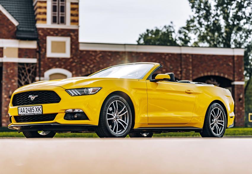 Прокат кабриолета Ford Mustang Convertible в Киеве