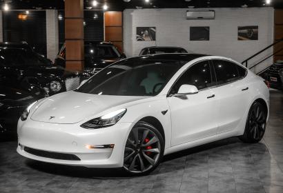 Продажа Tesla Model 3