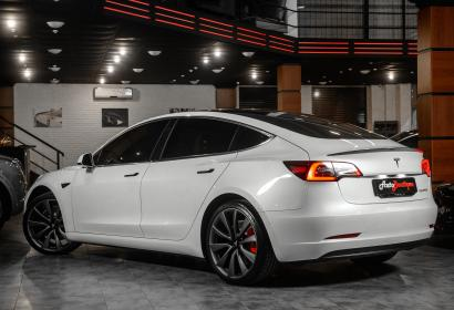 Продажа новой Tesla Model 3 Performance Dual Motor'2020 в Одессе