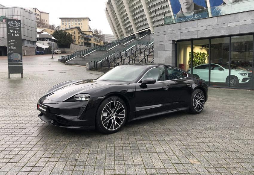 Продажа нового спорткара Porsche Taycan Turbo '2020 в Киеве