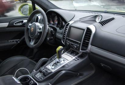 Прокат Porsche Cayenne GTS без водителя в Киеве