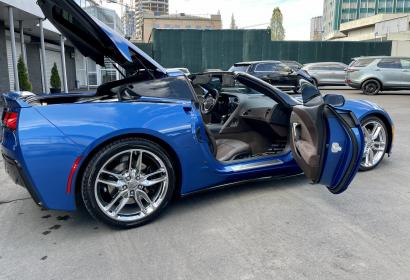Продажа спорткара Chevrolet Corvette Stingray Z51 '2015 в Киеве