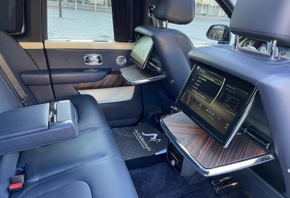 Продажа внедорожника Rolls Royce Cullinan Bespoke '2019 в Киеве
