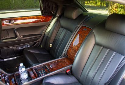 Прокат седана Bentley Continental Flying Spur с водителем в Киеве