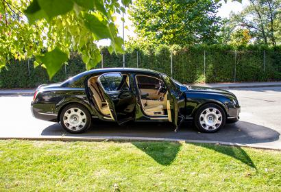 Прокат роскошного Bentley Continental Flying Spur с водителем в Киеве