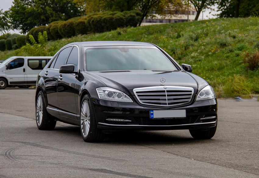 Прокат бронированного Mercedes-Benz S 600 LONG Armour B6/B7 в Киеве