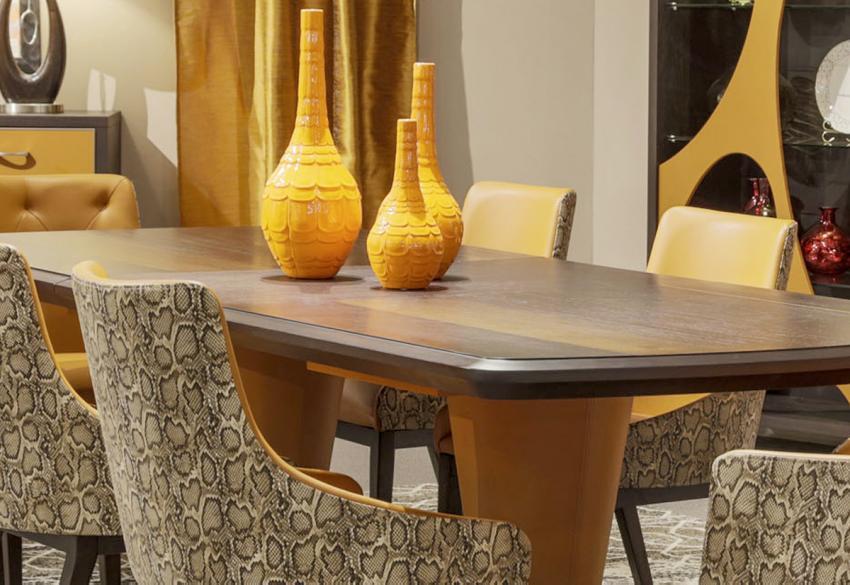 Прямоугольный обеденный стол от Майкла Амини