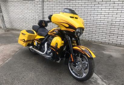 Продажа Harley-Davidson CVO Street Glide '2015 в Киеве