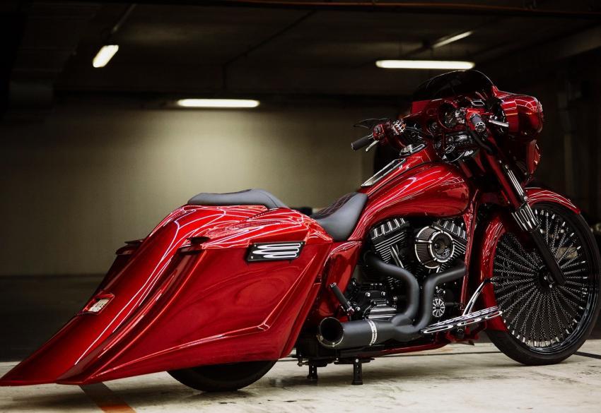 Продажа эксклюзивного кастом баггера Harley Davidson Electra Glide в Киеве