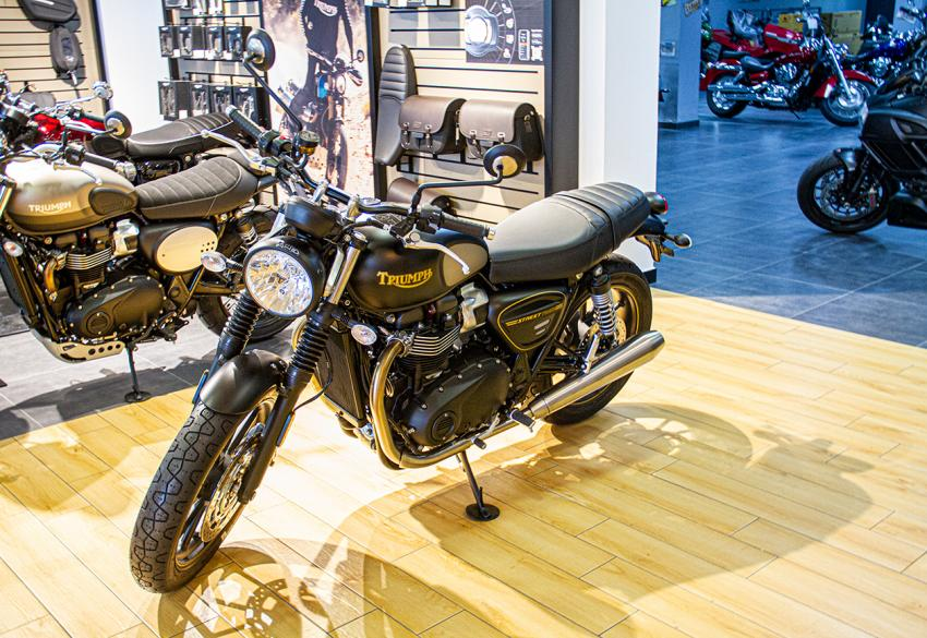 Продажа нового классического Triumph Street Twin '2021 в Киеве