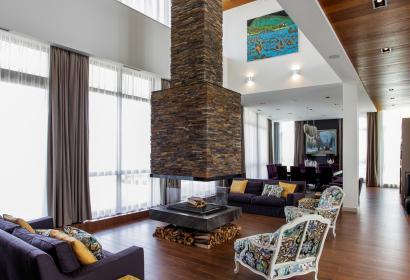 Продажа современного дома на берегу Днепра