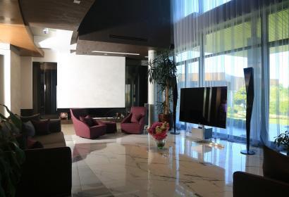 Продажа дома в Конча-Заспе под Киевом в стиле модернизм