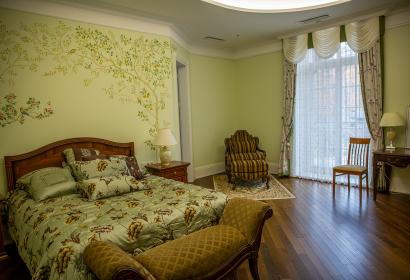 Продажа уникального загородного особняка под Киевом