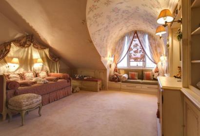 Продажа двухуровневой квартиры в историческом центре Киева