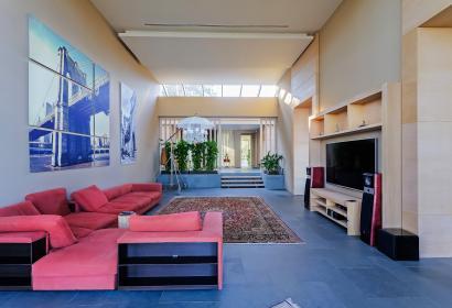 Продажа резиденции в стиле Модерн в Конча-Заспе под Киевом