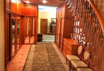Продажа элитного особняка в Конча-Заспе