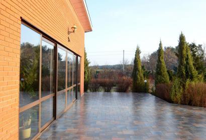 Продажа дома с бассейном в 24 км от Киева
