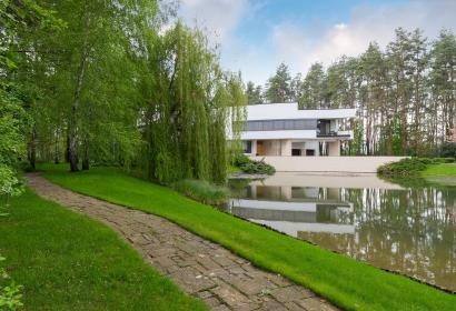 Продажа современного дома в хай-тек стиле под Киевом