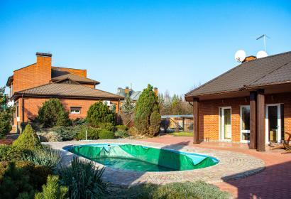 Продажа дома с бассейном под Киевом в Конча-Заспе