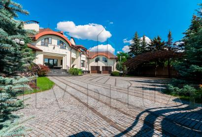 Продажа резиденции с озером в Киеве возле Конча-Заспы