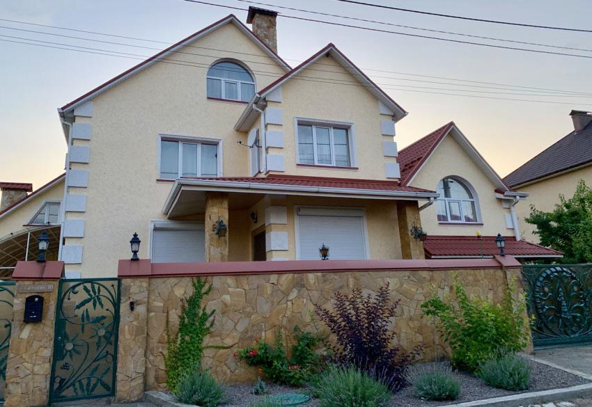 Продажа нового дома в стиле ар-деко под Киевом в с. Гора