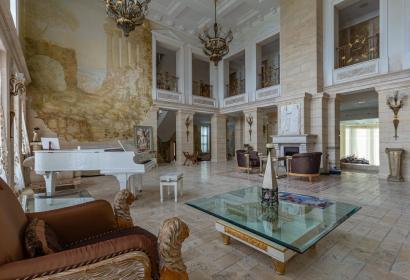Аренда роскошного дома с бассейном под Киевом