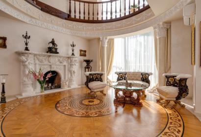Продажа дома под Киевом в коттеджном городке Золоче