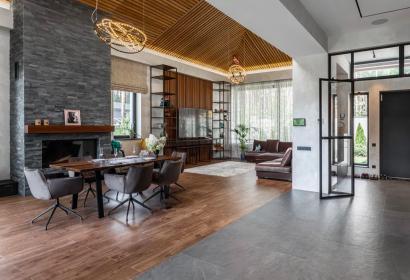 Продажа дома с бассейном в стиле хайтек под Киевом