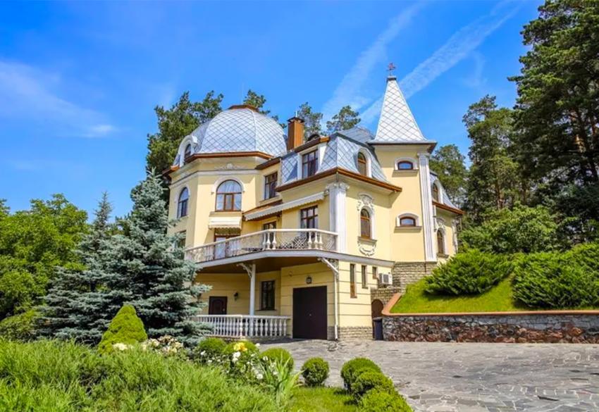 Продажа домовладения в Гостомеле под Киевом в КГ Канадская деревня