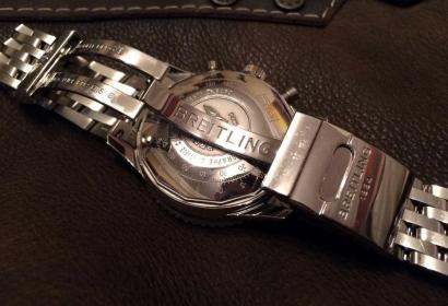 Продажа оригинальных швейцарских часов Breitling Navitimer в Киеве