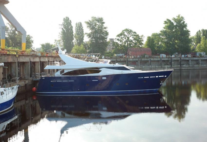 Продажа роскошной 24м моторной яхты '2011 в Киеве